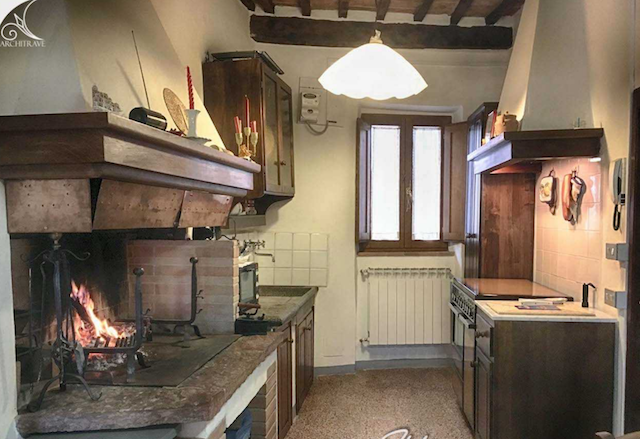 tuscany, village, medieval village, tuscan house, fireplace, val di cecina, real estate, italian house, cozy, bargain, vacation property italy, rental, vacation house, summer house, italian, tuscany, wine, chianti, cozy, apartment, rustic
