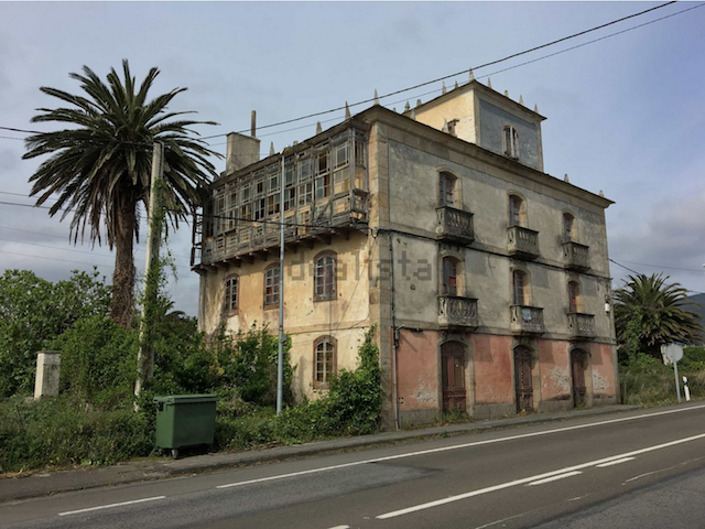 spain, colonial, architecture, asturias, coastal living, ocean, ocean view, coast, antique, historic, old house, renovation project, renovation, preservation, windows, beautiful home, elegant home, historic real estate spain, historic spanish home, spanish house,