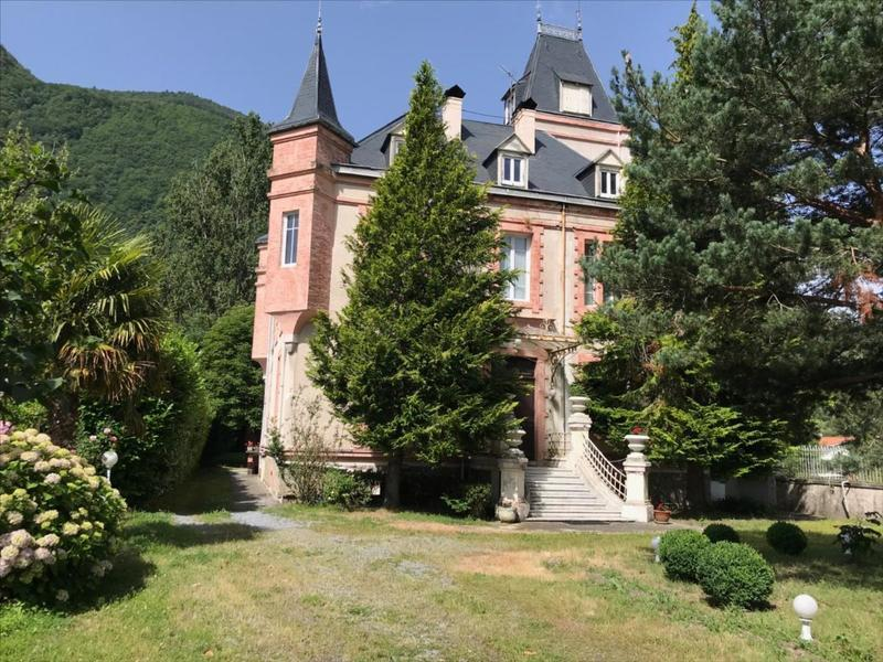 chateau, french, france, pyrenées, pyrenees, mountains, chambre d'hôte, bed and breakfast, hotel, ski, resort, escape, country, mansion, lifestyle, nature, mansard, tower, stunning, gorgeous, luxury, real estate, for sale, à vendre, buy, live in france