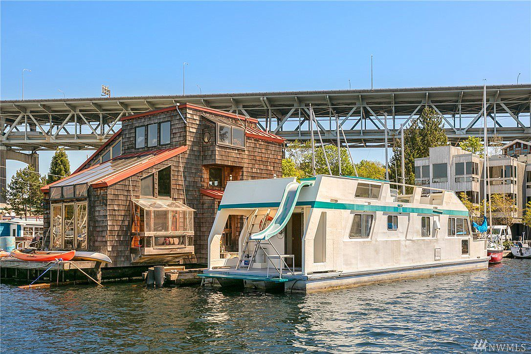 seattle, houseboat, washington, pacific northwest, house, boat, lake union, sunny, summer, vacation, property, real estate, air bnb, rental