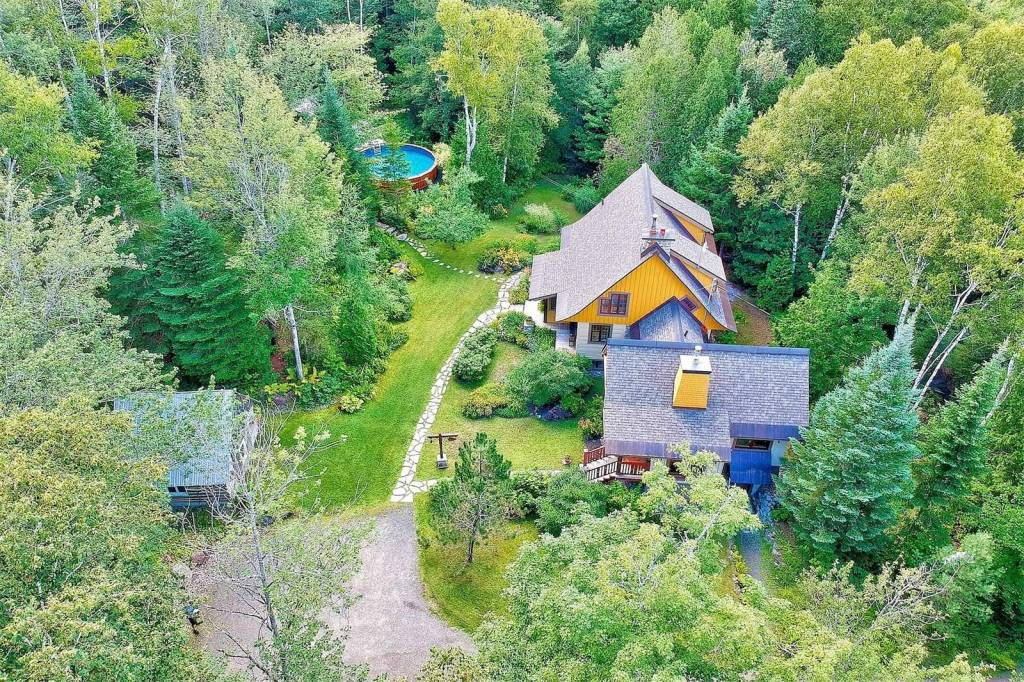 quebec, sainte-adele, canada, countryside, mountain, ski, nature, trees, forest, new england, house, home, canadian, chalet, charming, wood, property, real estate, for sale