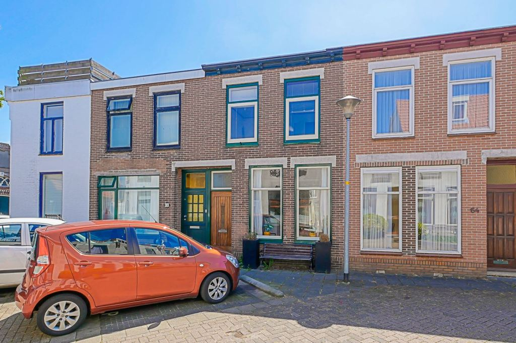Bargain Friday: Netherlands Week! A cute and cozy townhouse in the walkable small town of Den Helder, Netherlands!