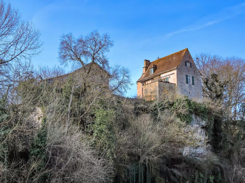 A French farmhouse on 1.5 acres in the Dordogne, with river access and close to amenities. Also, chickens!