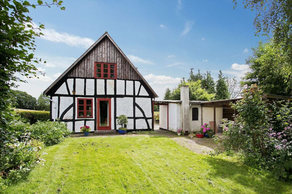A Danish half-timbered countryside cottage circa 1827 on the island of Funen!