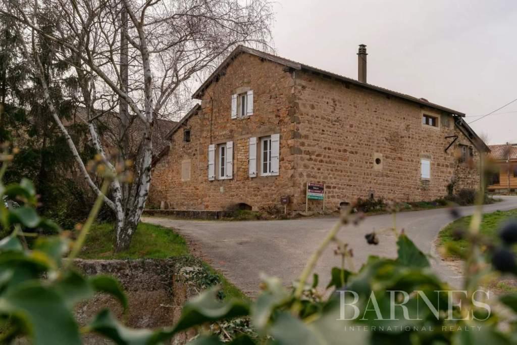 A stone farmhouse circa 1900 to renovate amidst vineyards in Beaujolais, France!