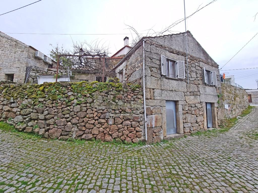 Bargain Friday! A cute stone house to renovate in the medieval village of Trancoso, Portugal!