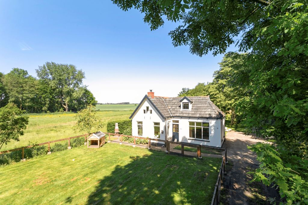 An airy and bright countryside cottage in the Netherlands!